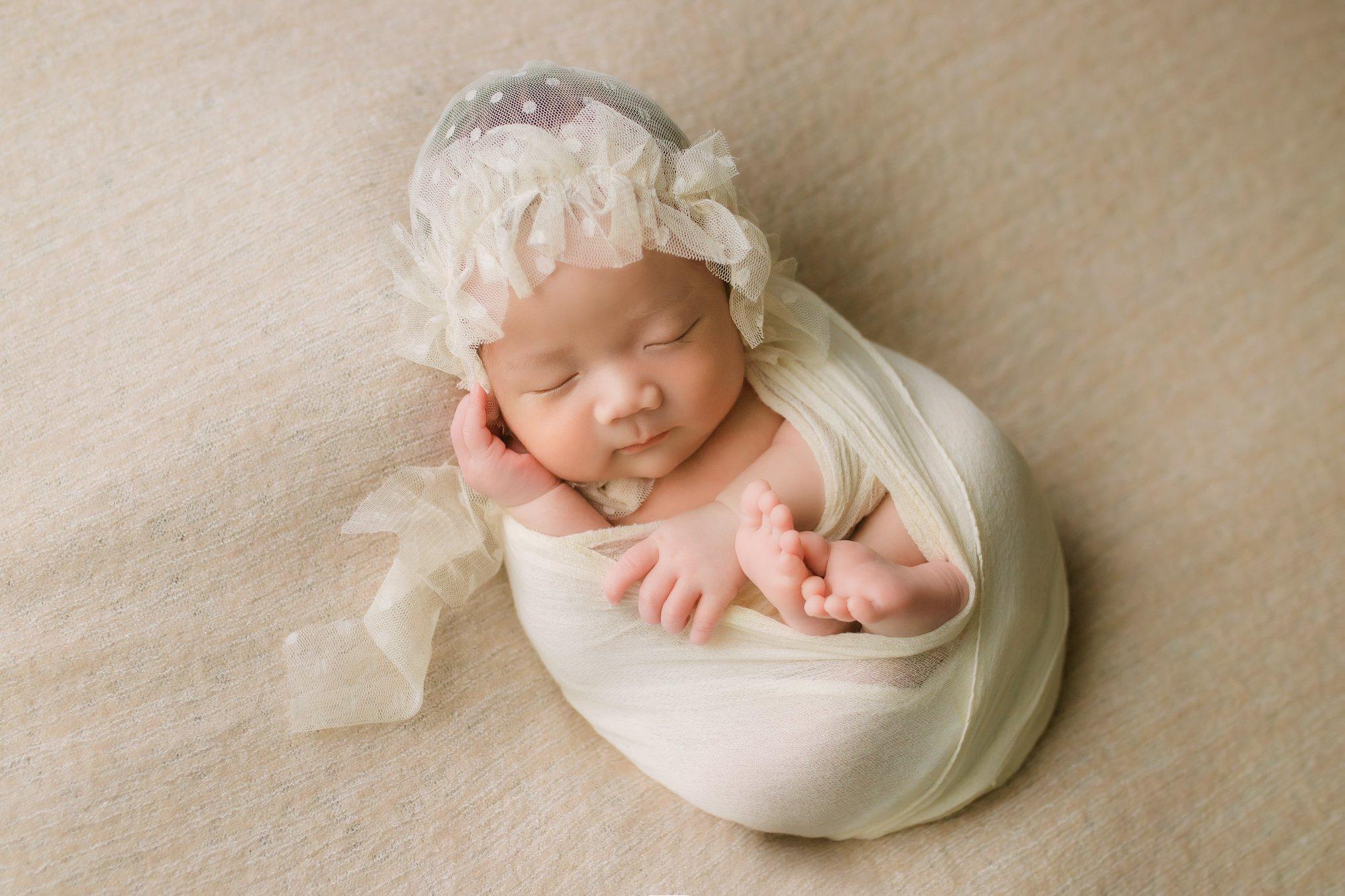Chụp Ảnh Newborn Trên Beanbag